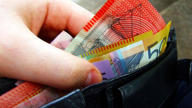 australian-banknotes-in-wallet